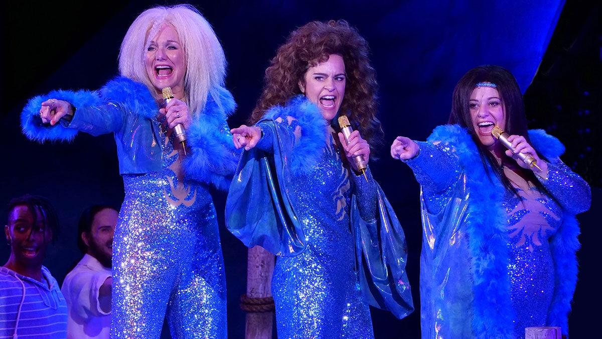 Chanhassen Dinner Theatres Home Mamma Mia Finale